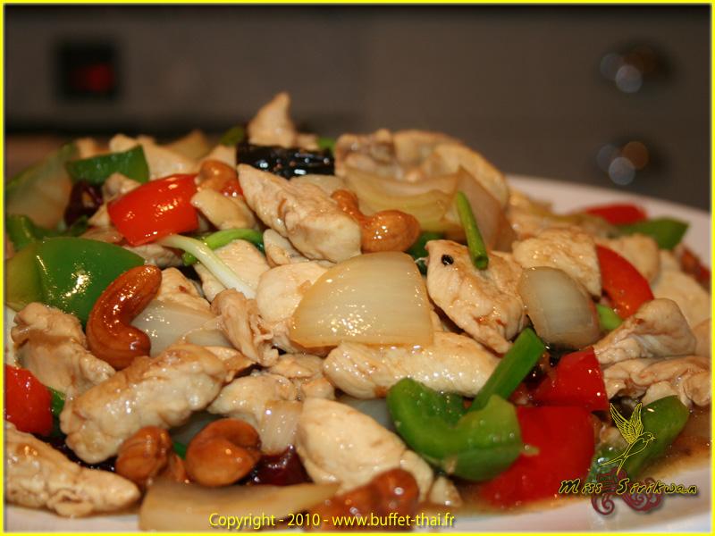 miss-sirikwan-fried-chicken-cashewnuts