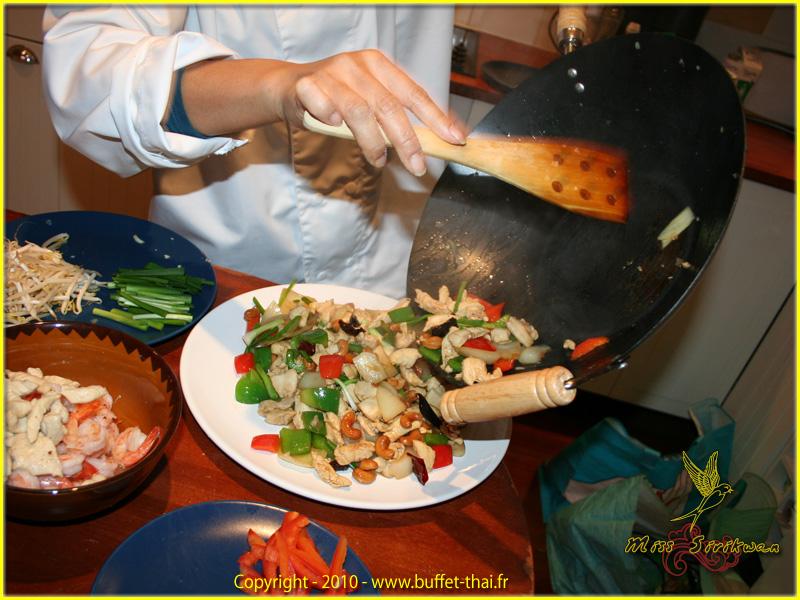 miss-sirikwan-preparation-repas-2